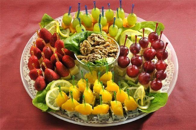 фруктове канапе