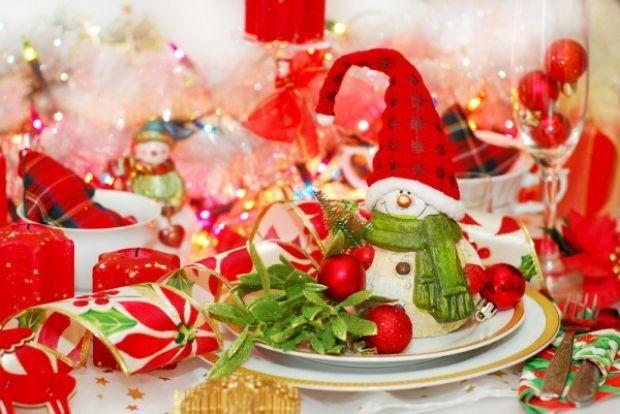 прикраса новорічного столу