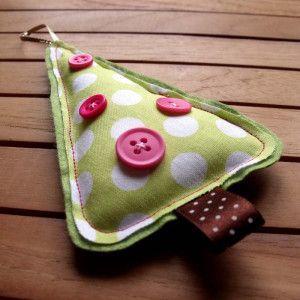 Робимо новорічні іграшки з тканини.