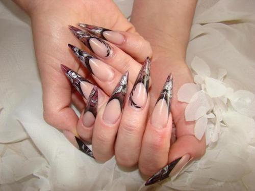 Як доглядати за накладними нігтями